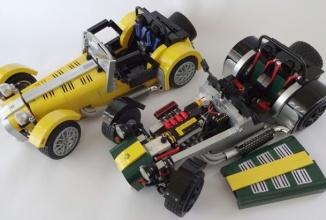 Faimosul automobil ultra uşor de curse Caterham 7 va ajunge în colecţia LEGO, sub forma unor kituri speciale în acest an