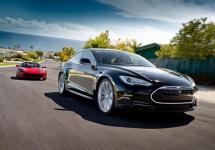 Un oficial Audi recunoaşte calitatea automobilelor Tesla şi infrastructurii sale, critică industria automobilelor electrice