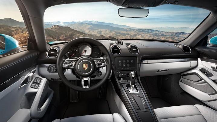 2017_Porsche_718_Cayman_01