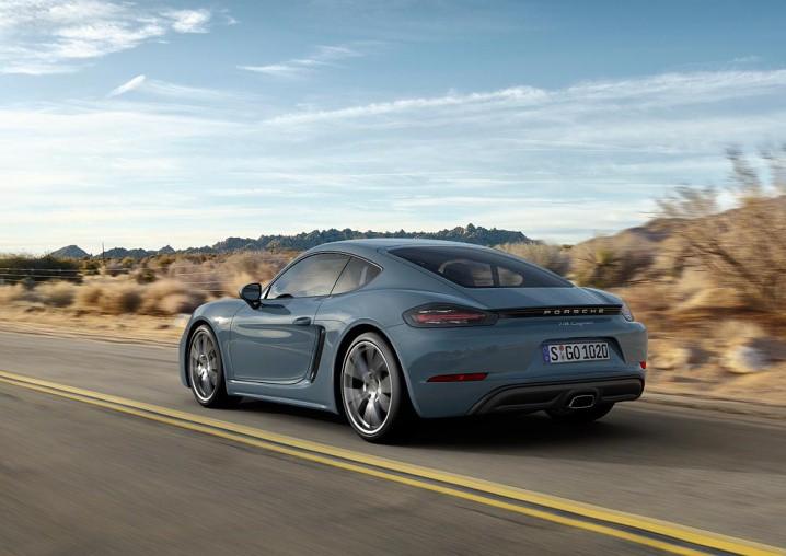 2017_Porsche_718_Cayman_02