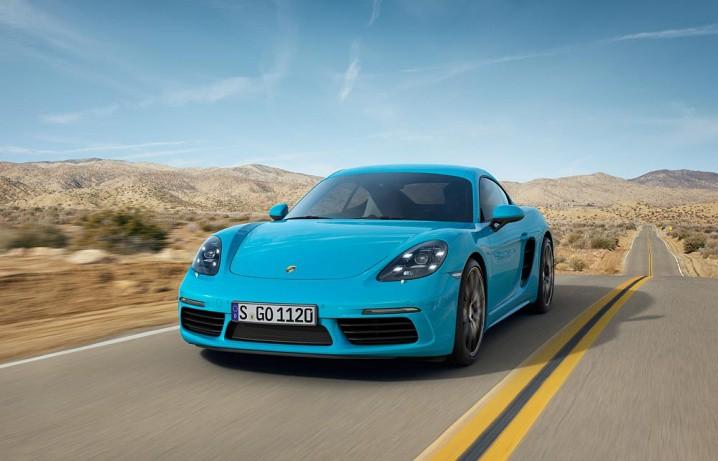 2017_Porsche_718_Cayman_05