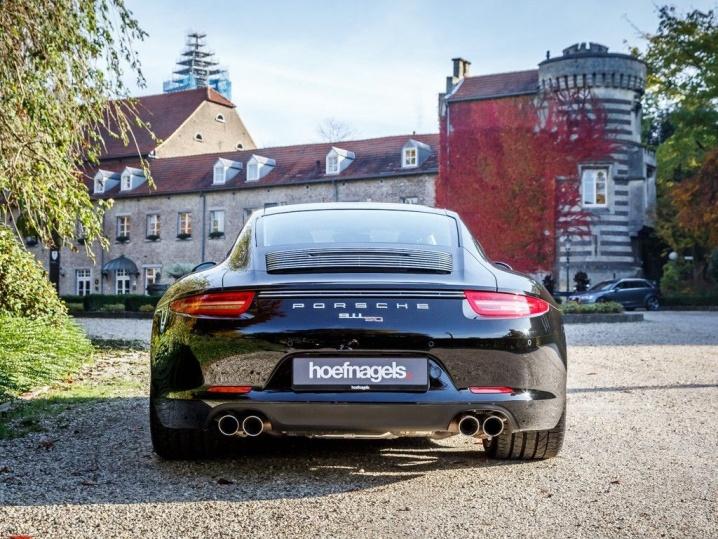 Porsche_911_50th_05