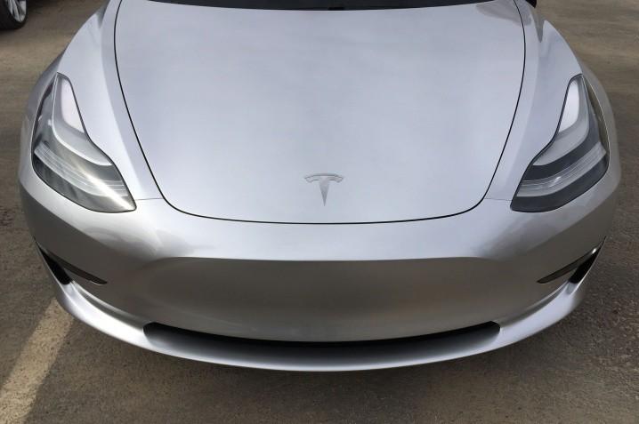 Tesla-Gigafactory-Model-3-front-end