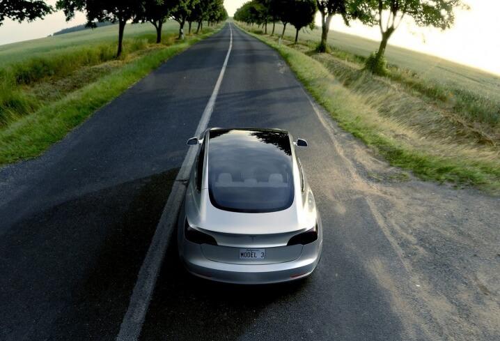 Tesla-Model-3_06