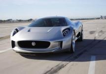 Şeful de design de la Jaguar e convins că alimentarea electrică va reinventa automobilele