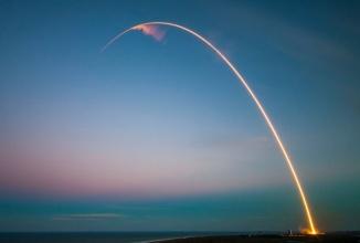 Compania SpaceX a lui Elon Musk a câştigat un contract cu US Air Force; Va trimite un satelit GPS în orbită