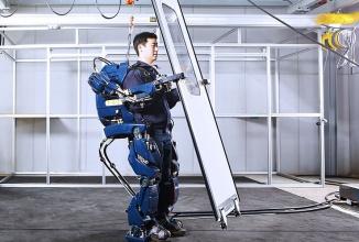 Hyundai a creat un exo-schelet precum cel din filmul Aliens, care creşte forţa muncitorilor şi soldaţilor