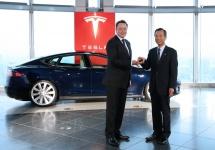 Tesla încheie un parteneriat cu Panasonic, care va investi masiv în fabrica de baterii Gigafactory