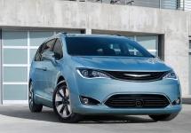 Flota de vehicule autonome Google va include curând și minivan-uri Chrysler Pacifica