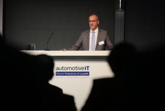 Tesla îl cooptează pe directorul de producţie Audi, pentru a grăbi sosirea lui Model 3