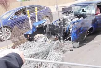 Cum să nu pleci acasă după o cursă-liniuţă : fix în gard cu maşina tunată! (Video)