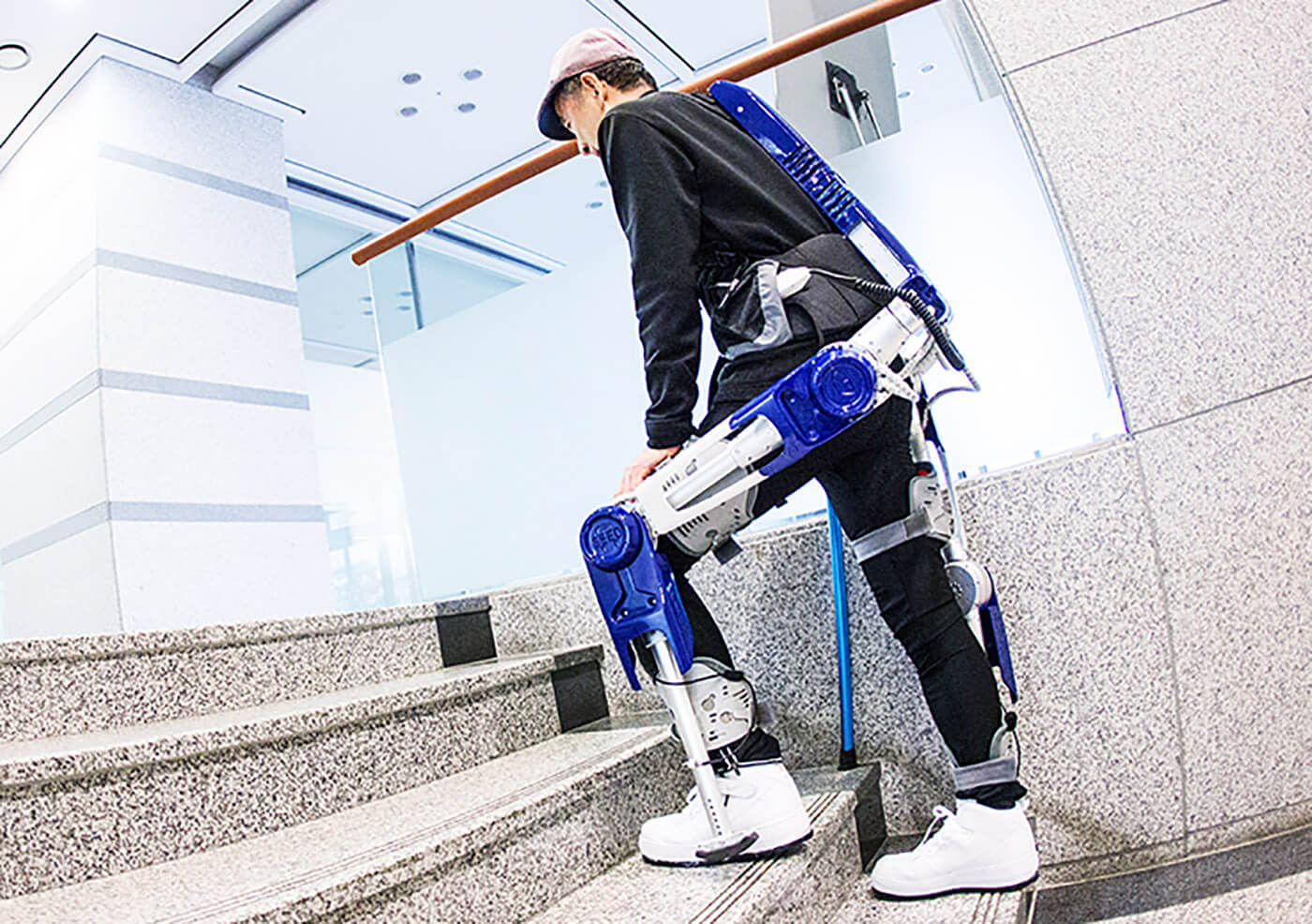 hyundai-wearable-robot-2016-05-13-04