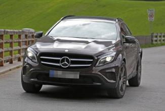 Noul crossover Mercedes-Benz GLB își face apariția in câteva poze spion