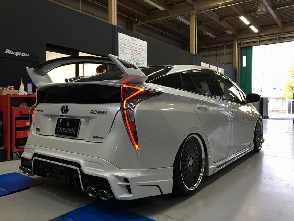 rowen-2016-prius-packs-quad-exhaust-a-big-wing-and-lots-of-leds_2