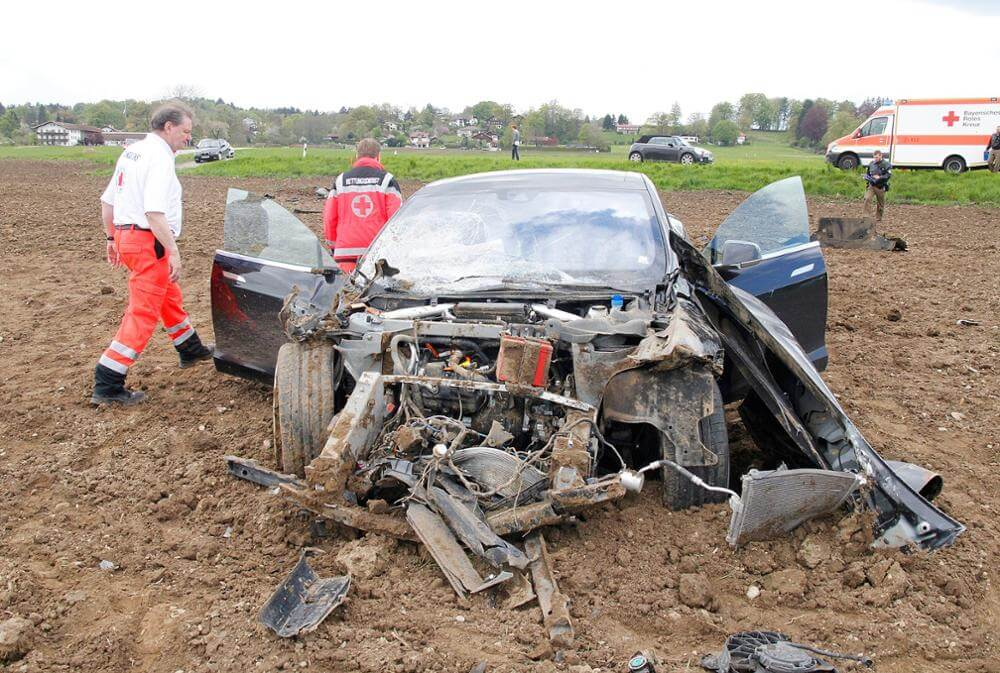tesla-model-s-crash-bermany-1