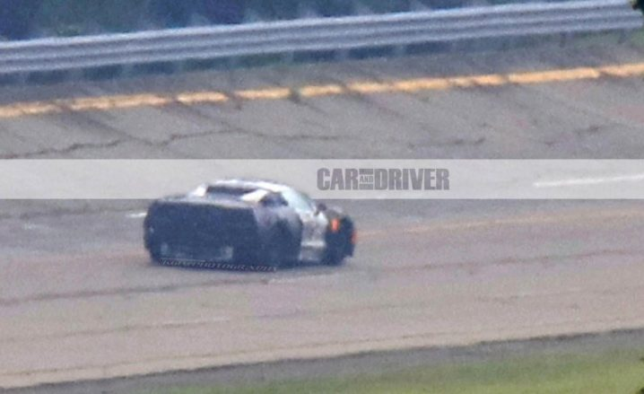 2019-Chevrolet-Corvette-spy-photo-101-876x535