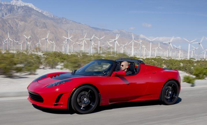 Vechiul Tesla Roadster