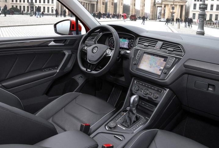 Volkswagen-Tiguan-2017-1600-3a