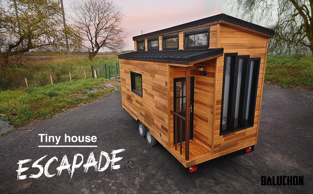baluchon casa lemn pe roti (1)