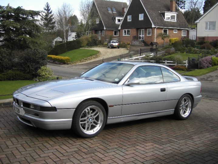 Vechiul BMW Seria 8