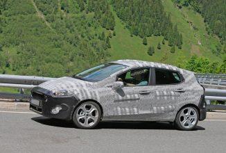 Imagini spion cu noul Ford Fiesta; Design puţin schimbat şi fără optiunea sport