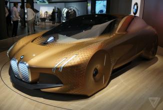 """BMW Vision Next 100 e un automobil concept superb, menit pentru anul 2030 şi bazat pe """"geometrie vie"""""""