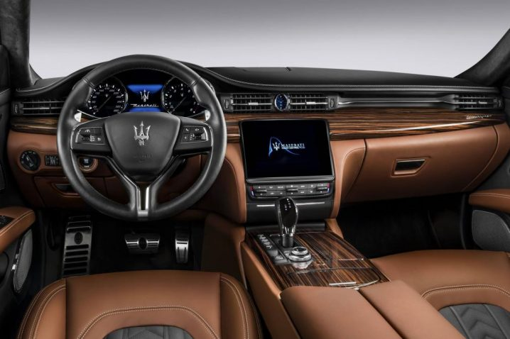 new-quattroporte-granlusso_dashboard-with-zegna-edition-interior