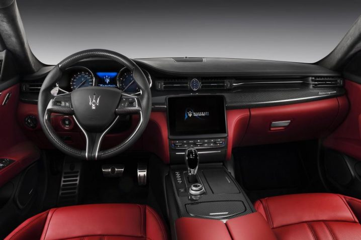 new-quattroporte-gts-gransport_-dashboard