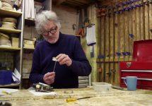 James May devine gazda unei noi emisiuni numită The Reassembler; iată-l cum transformă o simplă reparație într-un show pe cinste