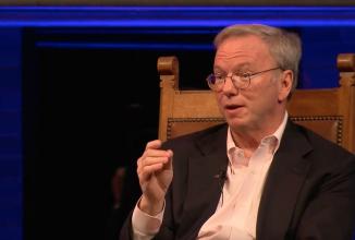 Directorul Alphabet, Eric Schmidt consideră că automobilele autonome sunt la doar câţiva ani de concretizare