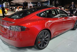 Tesla aduce noi schimbări sistemului de navigație și celui de autopilot printr-un update OTA