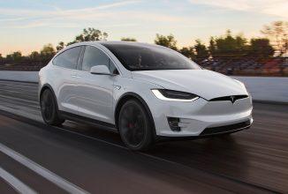 Tesla Model X este implicată într-un mic accident, iar șoferul dă vina pe modul autopilot; Ce recomandări primesc cei de la Tesla?