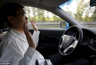 Guvernul chinez interzice testarea de mașini autonome pe autostrăzi