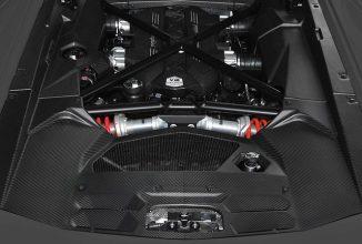 Lamborghini reduce greutatea supermașinilor sale prin orice mijloace; După caroserie urmeaza fabricarea unui motor din fibră de carbon