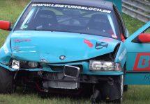 Un BMW Seria 3 E36 are de suferit serios când ratează o curbă la Nurburgring (Video)