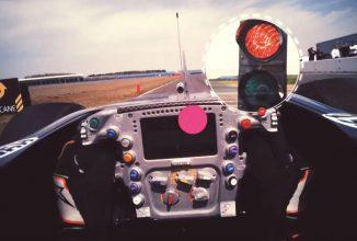 Intră în pielea unui şofer de Formula 1 cu o nouă tehnologie optică marca Tobii, care ne arată fix ce vede pilotul (Video)