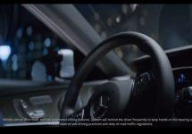 """Mercedes retrage reclama la sedanul E Class 2017, după ce l-a promovat drept model """"self driving"""""""