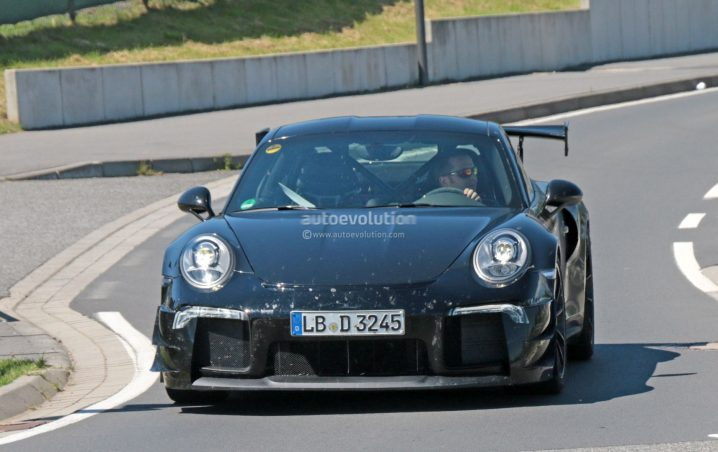 new-porsche-911-gt2-gt2-rs-spied-with-racecar-aero-expect-monstrous-ring-time_1
