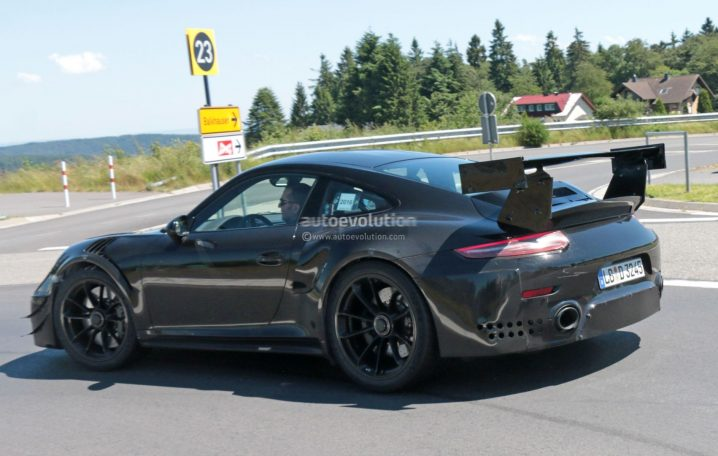 new-porsche-911-gt2-gt2-rs-spied-with-racecar-aero-expect-monstrous-ring-time_10