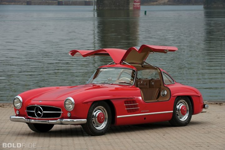 mercedes-benz-300-sl-gullwing.2000x1331.Jan-04-2012_12.39.39.917644