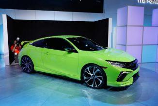 Honda Civic 2017 este văzută nemascată pe un transportor; Iată cum arată viitorul model al japonezilor