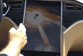 Un posesor de Tesla Model S a hackuit consola maşinii sale, astfel încât să prindă Pokemoni direct de pe touchscreen