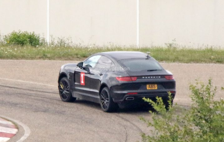 porsche-sahara-suv-coupe-makes-spyshot-debut-as-lifted-panamera-test-car_3