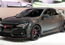 Noul Honda Civic Type R este prezentat la Paris; Versiunea mai agresivă a modelului Civic vine cu un design atrăgător și performanțe pe masură