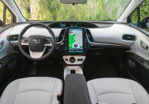 Toyota Prius Prime 2017 vine cu un ecran uriaș de 11,6 inch; Iată ce știe să facă
