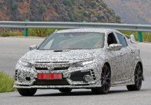 Poze spion Honda Civic Type R; Hatchback-ul de peste 300 cai putere se aproprie de lansarea globală