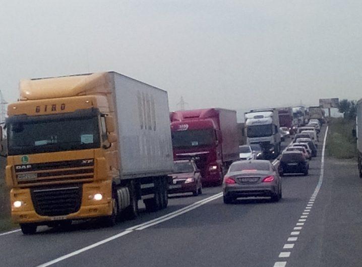 tiruri-camioane-trafic-coloana-3