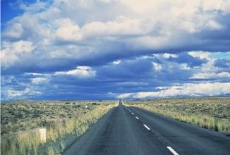 10 produse pentru șoferii la drum lung; 5 categorii de produse perfecte pentru a vă ușura călătoria