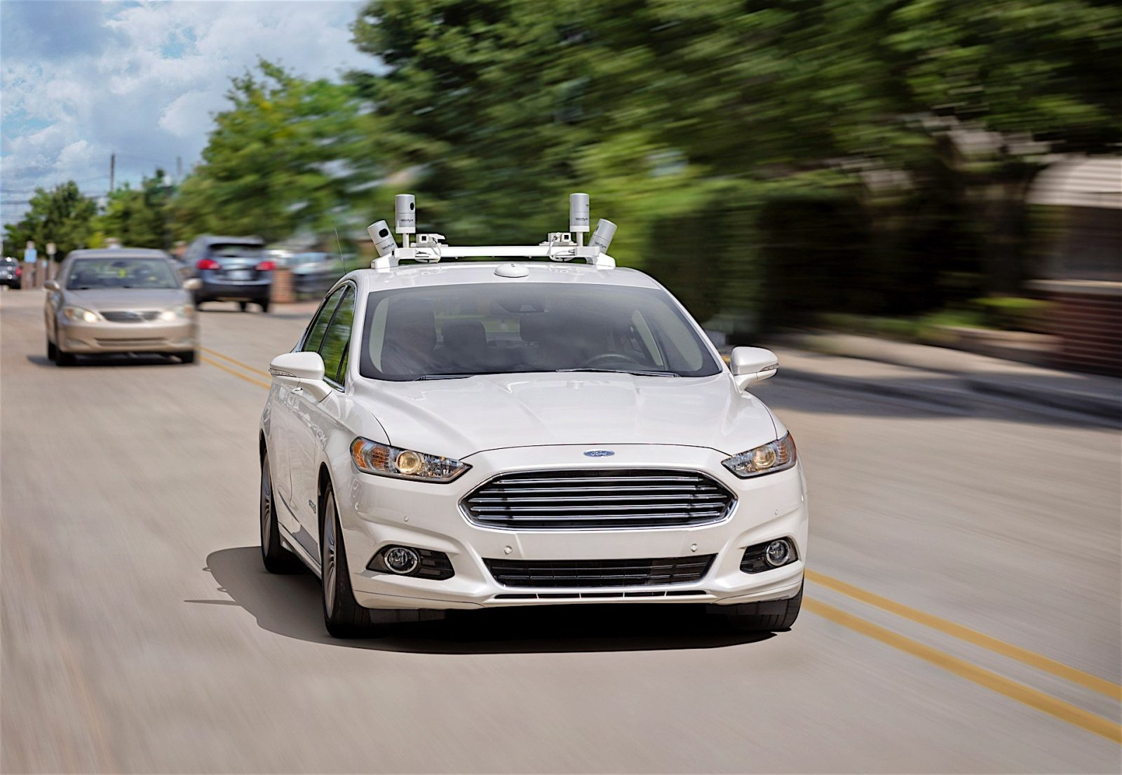 ford-wants-to-sell-driverless-cars-to-the-public-by-2025-ceo-says-111160_1