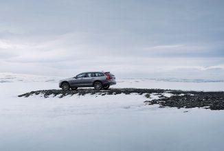 Automobilele noi de la Volvo vor comunica între ele pentru a semnala condiţiile de carosabil alunecos, alte pericole